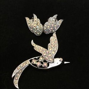 Crystal bird brooch with wing earrings